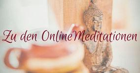 Kleiner Buddha an Teekanne