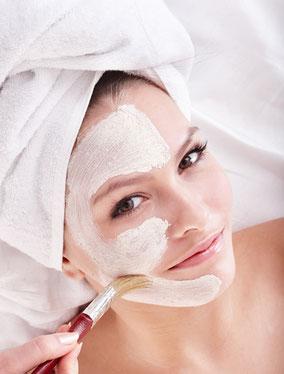 Gesichtsbehandlung im Kosmetikstudio 23. Bezirk in Wien