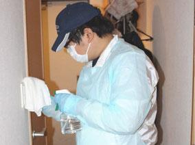 ノロウイルス消毒シーン2
