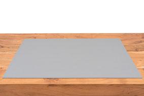 Rob&Raf Schreibunterlage aus Wollfilz in Steingrau auf Schreibtisch