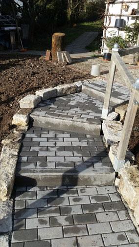 Neubau einer Treppenanlage mit Beton- und Naturstein