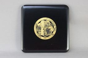 重箱の蓋 家紋の金箔貼り直し