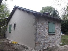 Enduit pierre sur façade avant et taloché sur pignon à la Salvetat su Agout