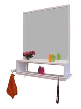 """funktionales Badregal, entworfen für """"jeder m2 du"""", Plattenbau Badezimmer, Design: Ariane März, DIY Badregal"""