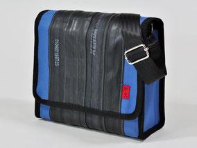 Tasche Towninger himmelblau aus Fahrradschlauch und Cordura von Stef Fauser Design