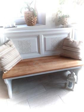 relooking de meuble le mans sarthe banc d'église blanc patine bois naturel pochoir bienvenue entrée carreaux de ciment