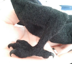 羊毛フェルト 作り方 足 爪