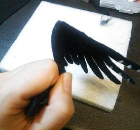 羊毛フェルト 鳥 羽 翼