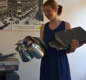 * tatsächlich hat Felicitas NIE Kaffe gekocht, Akten geschleppt oder den Kopierer bedient. Sondern sie hat einen ganz hervorragenden Job gemacht bei unserer Innenstadtkartierung, schlau und mit viel Übersicht!