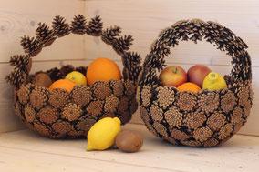 Paniers anses deux sens en pommes de pin naturelles fait main