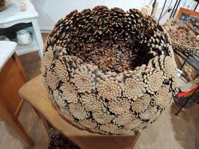 cache pot en pomme de pins en naturelle fait sur mesure