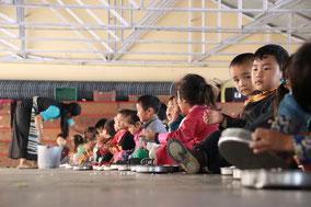 レインボー写真館 チベット難民の子供たち