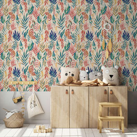 small scaled leaves design wallpaper - lovely in a kidsroom / Interior ideas for kids / wallpaper for kids / Mademoiselle Camille