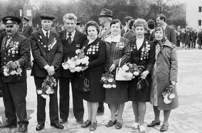 Крайняя справа - Малафеева Клара Васильевна, участник ВОВ, фронтовичка - моя мама.