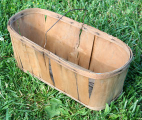 Split wood berry basket