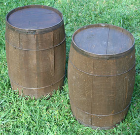 Vintage lunch kegs