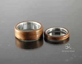 Eheringe aus Silber und Holz