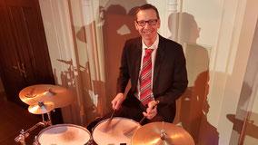 Andy Winkler-drums