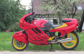 BMW k1 - red yellow black