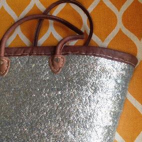 Korbtaschen mit Glitzer in Silber