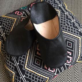 Marokkansiche Hausschuhe aus Leder für Herren - hier in schwarz