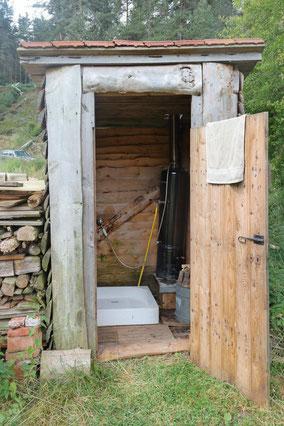 Dusche mit Warmwasser durch Holzfeuerung, Urlaub, Ferien ohne esmogfrei, ohne Strom