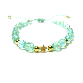 Lucite Green und goldener Stern - Perlenarmband in Mint Türkis golden Perlen und einem goldenem Sternchen mit Makramee Verschluss