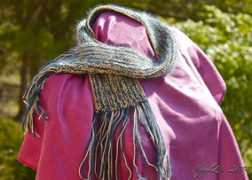 0150: Luxurious Art Deco Angora & Viscose Scarf 30€