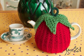 Item 0182: Strawberry Tea Cosy for individual pot 20€