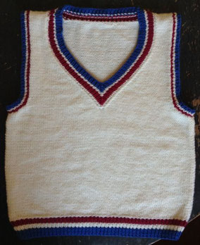Item 0177: Child's Classic Sleeveless Pullover for 65cm chest 100% machine-washable wool 80€