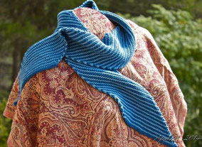 Item 0151: Stylish Art Nouveau Diagonally-Striped Wool Scarf 25€