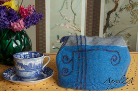 Item 0184: Art Nouveau Tea Cosy for large pot 20€