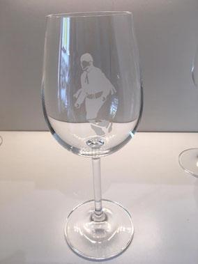 Verre à vin en cristal - décor homme blanc