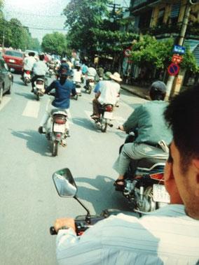 【ハノイ】バイクがむちゃくちゃ多い