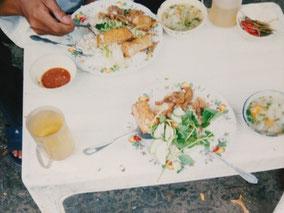 【ホーチミン】ぶっかけご飯。コム5,000ドン(40円)。