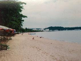 パタヤのビーチ 近くのバーでコーラ飲んだ