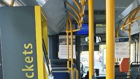 Leerer Bus des öffentlichen Verkehrs