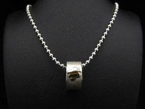 MiniRing mit schwarzer Perle
