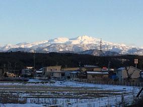 自宅への帰り、夕暮れ前の千木野から見た白山