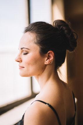 Schmuck für Frauen: Filigrane Ohrhänger aus Messingkreisen - handgemacht vom kleinen Schmuck-Label Majuki. Ein tolles Geschenk für Frauen.
