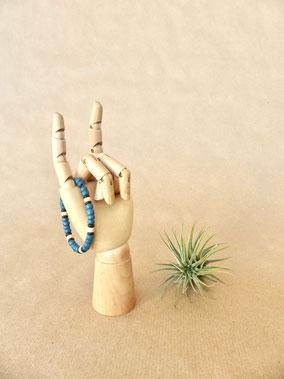 Schmuck für Kinder: Surfer Armband für Jungs aus Kokosperlen und Holzperlen von Majuki. Ein tolles, individualisierbares Geschenk für Mädchen und Jungen