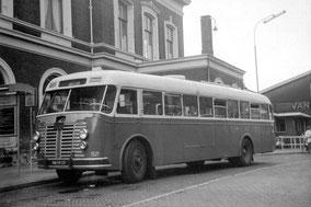 Oude Engelse bus. Ongeveer het model waar Fons over verteld.
