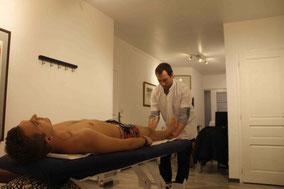 Mal de dos et douleurs articulaires = consultation chez l'ostéopathe