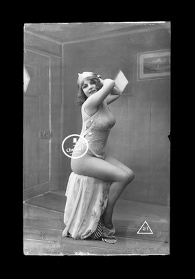 jean agelou - fernande - agelou - belle epoque - charme - erotique - negatif - 1900 - 1920 - nu - cabaret - french card - risk - carte postale - paris - dentelle - vintage
