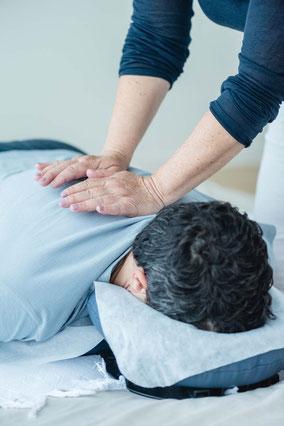Shiatsutherapie am Rücken/Schulter