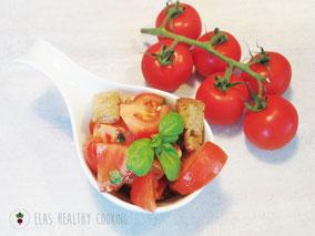 Tomaten Brot Salat, sommerlich und leicht