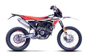 Fantic XEF 125 Performance mit Weiß-Rot-Schwarz Farben