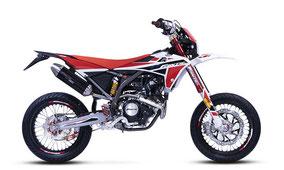 Fantic XMF 125 Competition mit Weiß-Rot-Schwarz Farben
