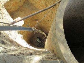 Le puit est réparé et la pompe installé