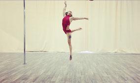 Yatzin Kosom Pole Acrobatics performance